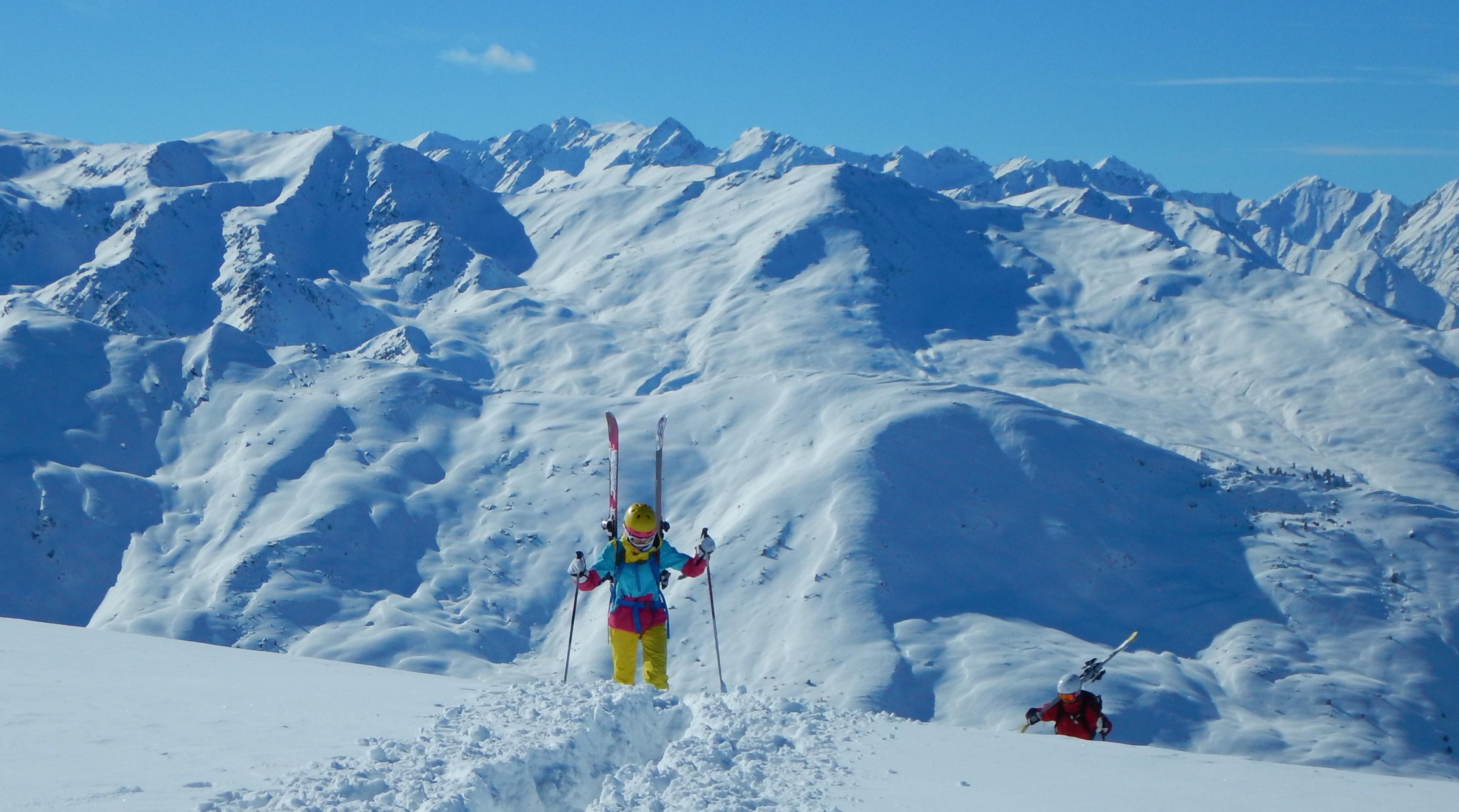 off-piste Skifahren (Tourenski) beim Winterkurs