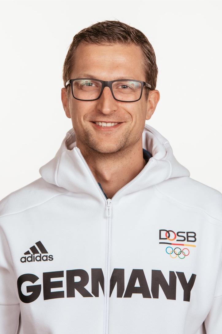 Boris ist Mitglied des Orga-Team der Sportmedizinerkurse in Garmisch-Partenkirchen und Mannschaftsarzt der Hockey-Nationalmannschaft (DANAS)