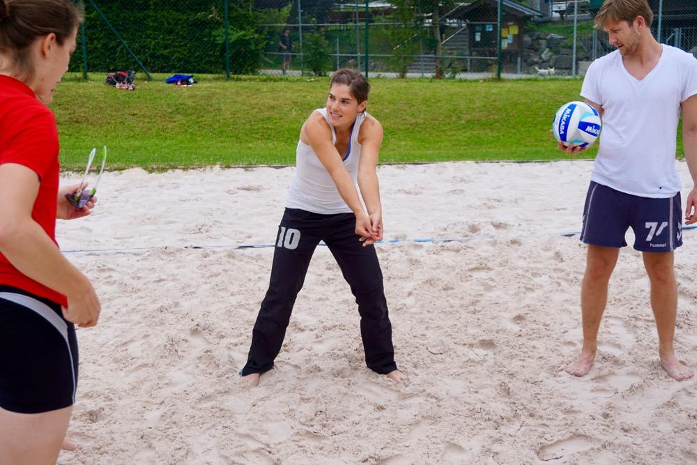 Beachvolleyball im Kainzenbad direkt neben der endogap-Klinik