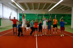 Auch bei schlechtem Wetter gute Laune beim Tennis